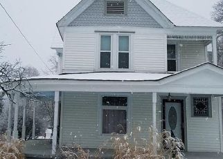 Pre Foreclosure in Benton 62812 N MCLEANSBORO ST - Property ID: 1722132757