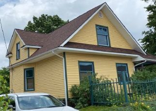 Pre Foreclosure in South Bend 46601 E BRONSON ST - Property ID: 1722335533