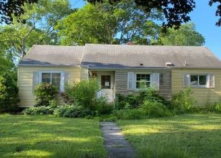 Pre Foreclosure in South Bend 46614 PASADENA AVE - Property ID: 1722337725