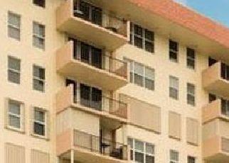 Pre Foreclosure in Pompano Beach 33062 HILLSBORO MILE - Property ID: 1722563272