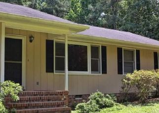 Pre Foreclosure in Apex 27523 HORTONS POND RD - Property ID: 1723148861