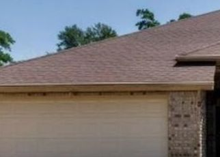 Pre Foreclosure in Houston 77069 GLEN CANON LN - Property ID: 1723222428