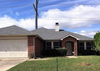 Pre Foreclosure in Grand Prairie 75052 SAGUARO DR - Property ID: 1723256145