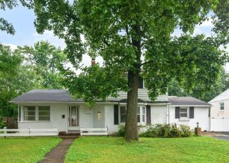 Pre Foreclosure in Riverton 08077 LEJUNE RD - Property ID: 1723776915
