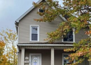 Pre Foreclosure in Sharon 16146 SPRUCE AVE - Property ID: 1723818959