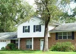 Pre Foreclosure in Crestview 32536 GILLIS DR - Property ID: 1723970941