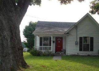 Pre Foreclosure in Corydon 47112 N MAPLE ST - Property ID: 1724414597