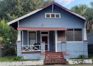 Pre Foreclosure in Tampa 33607 W SPRUCE ST - Property ID: 1724694454