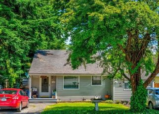 Pre Foreclosure in Seattle 98133 INTERLAKE AVE N - Property ID: 1725024696