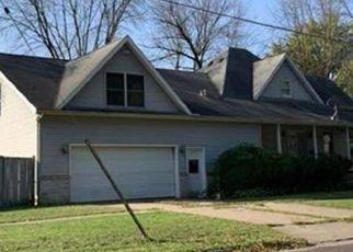 Pre Foreclosure in Farmington 61531 E COURT ST - Property ID: 1725221787