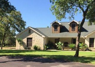 Pre Foreclosure in La Vernia 78121 COUNTY ROAD 319 - Property ID: 1726184894