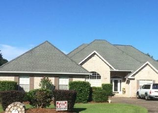 Pre Foreclosure in Milton 32571 BALLYBUNION DR - Property ID: 1726377147