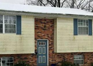 Pre Foreclosure in Cincinnati 45238 ROBINET DR - Property ID: 1726522113