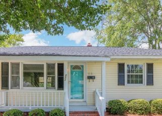 Pre Foreclosure in Jacksonville 28546 CARDINAL RD - Property ID: 1726563738
