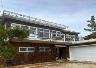 Pre Foreclosure in Mantoloking 08738 EAST AVE - Property ID: 1726764769