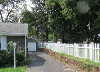 Pre Foreclosure in Milford 06460 LOOMIS ST - Property ID: 1726770457