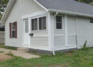 Pre Foreclosure in Anderson 46013 E LYNN ST - Property ID: 1727123912