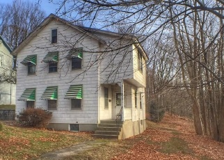 Pre Foreclosure in Winsted 06098 COTTAGE ST - Property ID: 1727425217