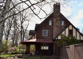 Pre Foreclosure in Gloversville 12078 PROSPECT AVE - Property ID: 1728269196