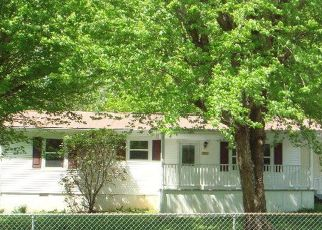 Pre Foreclosure in Cookeville 38506 S CREEK RD - Property ID: 1728617386