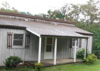 Pre Foreclosure in Kingsport 37660 HAYNES DR - Property ID: 1728626138