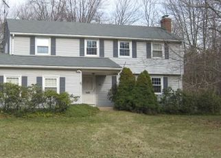 Pre Foreclosure in Windsor 06095 BREWSTER RD - Property ID: 1728922216