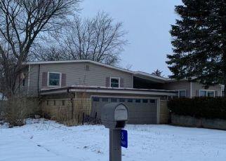 Pre Foreclosure in Streator 61364 HILLTOP DR - Property ID: 1729661524