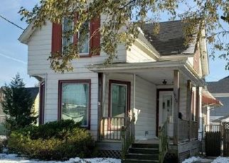 Pre Foreclosure in Racine 53403 TAYLOR AVE - Property ID: 1729747813