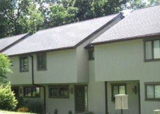 Pre Foreclosure in Woodbury 06798 FOX RUN - Property ID: 1729889712