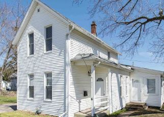 Pre Foreclosure in Davenport 52802 WILKES AVE - Property ID: 1730702589
