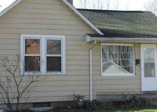 Pre Foreclosure in Pekin 61554 LAKE ST - Property ID: 1730771791