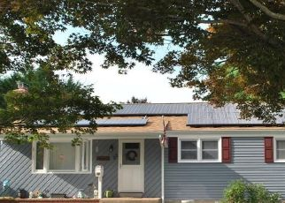 Pre Foreclosure in Portland 06480 EDGEWOOD RD - Property ID: 1730974569