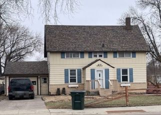 Pre Foreclosure in Winthrop 55396 W 4TH ST - Property ID: 1731492697