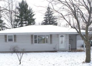 Pre Foreclosure in Elkhart 46517 LEININGER AVE - Property ID: 1731911387