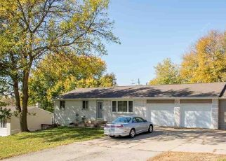 Pre Foreclosure in Dubuque 52003 NIGHTENGALE LN - Property ID: 1732147458