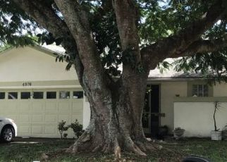 Pre Foreclosure in Delray Beach 33445 LINCOLN RD - Property ID: 1732327467