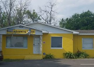 Pre Foreclosure in Lakeland 33815 W MEMORIAL BLVD - Property ID: 1732677853