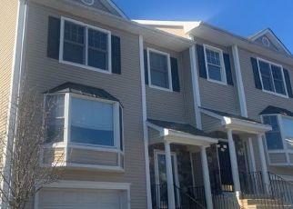 Pre Foreclosure in Danbury 06811 SCUPPO RD - Property ID: 1732764569