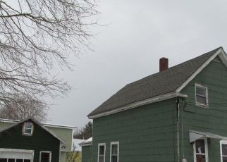 Pre Foreclosure in Norway 04268 SUMMER ST - Property ID: 1732795667