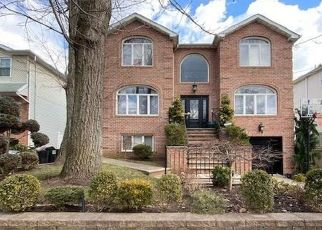 Pre Foreclosure in Woodbridge 07095 MAIN ST - Property ID: 1733056251