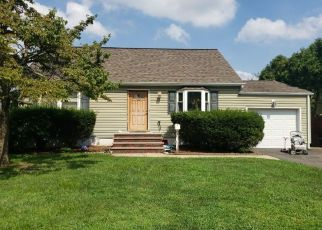 Pre Foreclosure in South Plainfield 07080 GUBERNAT DR - Property ID: 1733062388
