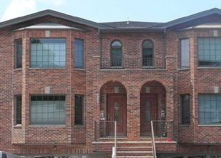 Pre Foreclosure in Palisades Park 07650 1ST ST - Property ID: 1733194214