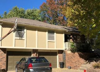 Pre Foreclosure in Independence 64055 S CASEY CT - Property ID: 1733878781