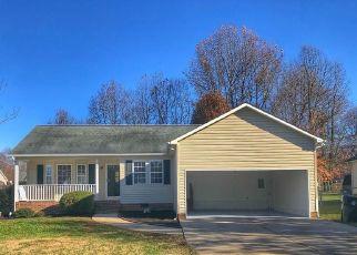 Pre Foreclosure in Thomasville 27360 OAK MEADOW LN - Property ID: 1734011476