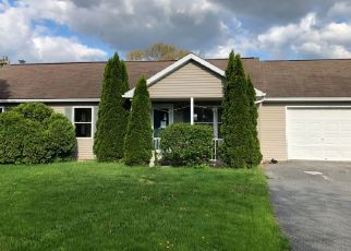 Pre Foreclosure in Shippensburg 17257 BARRY CIR - Property ID: 1734058791