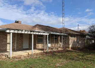 Pre Foreclosure in Hagerstown 21740 CREST DR - Property ID: 1734822608
