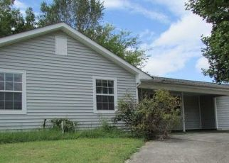 Pre Foreclosure in Knoxville 37934 BENT TREE RD - Property ID: 1734983341