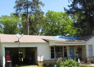 Pre Foreclosure in Henderson 75654 PARNELL DR - Property ID: 1735898714