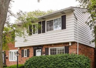 Pre Foreclosure in Harper Woods 48225 VERNIER RD - Property ID: 1735929815