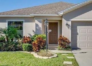 Pre Foreclosure in Lakeland 33813 SILVER LEAF LN - Property ID: 1735947770